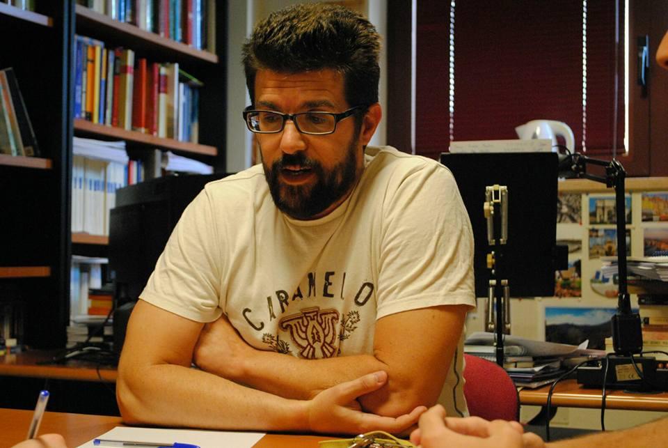DAVID PADRÓN: «¿Cuántas personas se interesan por saber las causas de la crisis?»
